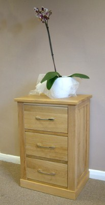 Handler Contemporary Oak Lamp Table - Fully Assembled