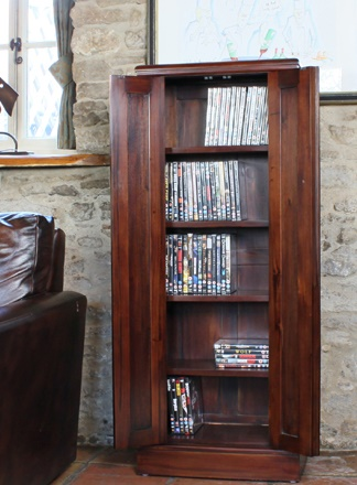 Herault Cd - Dvd Mahogany Cupboard - Fully Assembled