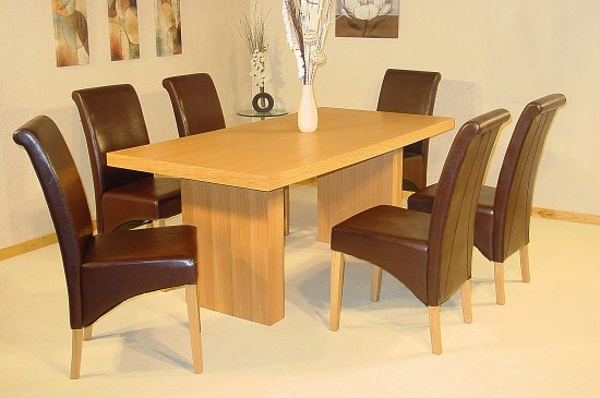 Hanslo Large Oak Dining Table Pvc Chairs