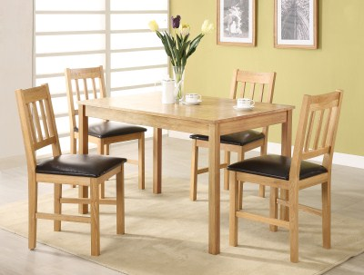 Hade Oak Table And 4 Pu Padded Chairs