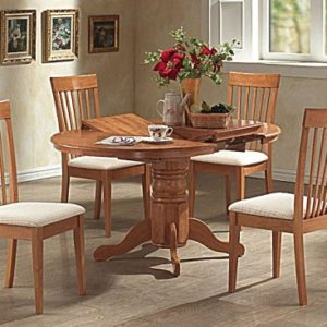 Lasta Extending Round Oak Table And 4 Padded Chairs
