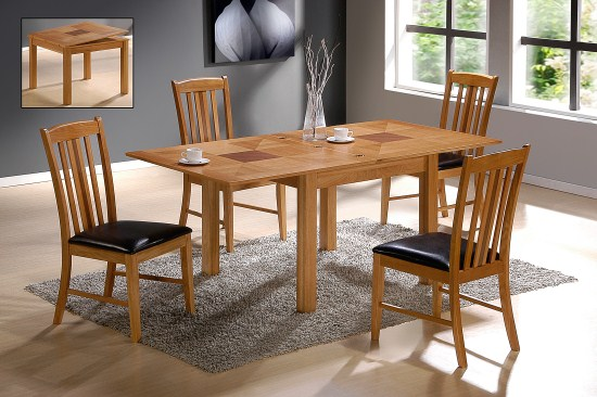 Yeti Extending Oak Table And 4 Padded Chairs