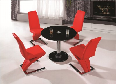 Daze Round Black Glass Kitchen Dining Table With 4 Chairs